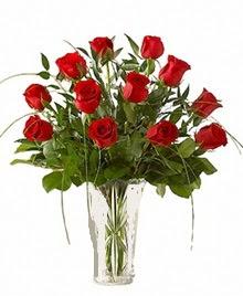 cam yada mika vazo içerisinde 9 kirmizi gül  Tokat güvenli kaliteli hızlı çiçek