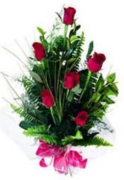 Tokat çiçekçiler  5 adet kirmizi gül buketi hediye ürünü