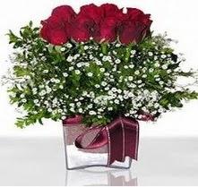Tokat yurtiçi ve yurtdışı çiçek siparişi  mika yada cam vazo içerisinde 7 adet gül