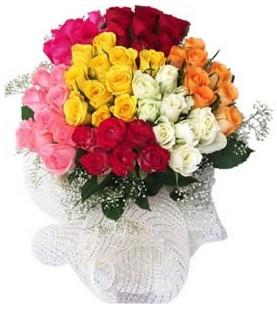 Tokat anneler günü çiçek yolla  51 adet farklı renklerde gül buketi