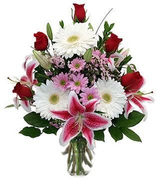 Tokat çiçek siparişi sitesi  1 dal kazablanka 5 gül ve kırçiçeği vazosu