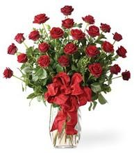 Sevgilime sıradışı hediye güller 24 gül  Tokat çiçek satışı