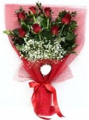 7 adet kırmızı gülden buket tanzimi  Tokat çiçek yolla
