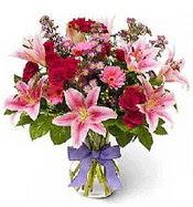 Vazo içerisinde karışık mevsim çiçeği  Tokat güvenli kaliteli hızlı çiçek