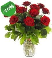 11 adet vazo içerisinde kırmızı gül  Tokat çiçek gönderme sitemiz güvenlidir