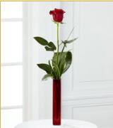 Vazo içerisinde 1 adet kırmızı gül  Tokat çiçek yolla , çiçek gönder , çiçekçi