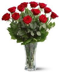 11 adet kırmızı gül vazoda  Tokat çiçek yolla , çiçek gönder , çiçekçi