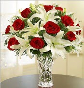 12 adet kırmızı gül 2 dal kazablanka vazosu  Tokat hediye sevgilime hediye çiçek