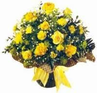 Tokat çiçek online çiçek siparişi  Sari gül karanfil ve kir çiçekleri