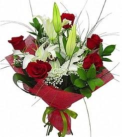 1 dal kazablanka 5 kırmızı gül buketi  Tokat internetten çiçek satışı