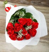 9 kırmızı gülden buket çiçeği  Tokat 14 şubat sevgililer günü çiçek