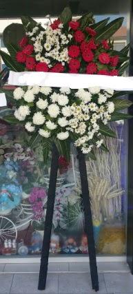 Cenaze çiçeği cenaze çiçek modelleri  Tokat güvenli kaliteli hızlı çiçek