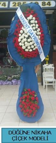Düğüne nikaha çiçek modeli  Tokat hediye sevgilime hediye çiçek