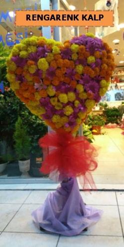 Ankara mevsim çiçeklerinden kalp perförje  Tokat anneler günü çiçek yolla