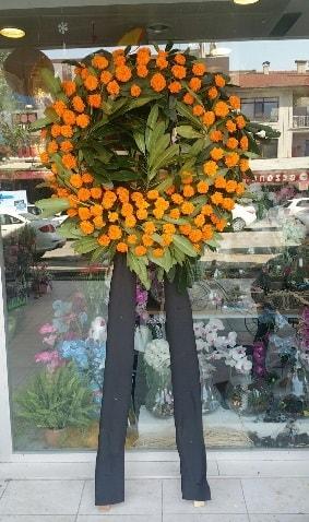 Cenaze çiçeği cenaze çelengi çiçek modeli  Tokat 14 şubat sevgililer günü çiçek