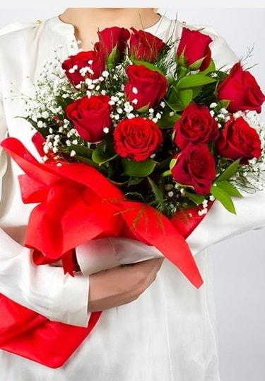 Aşk Gülleri 11 Adet kırmızı gül buketi  Tokat anneler günü çiçek yolla